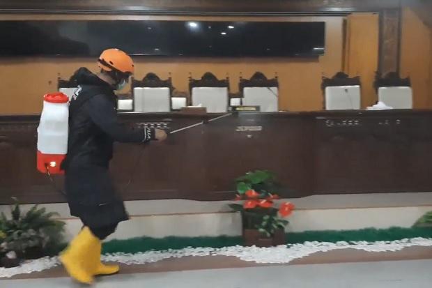 Ketua Meninggal karena COVID-19, Kantor DPRD Jepara Disemprot