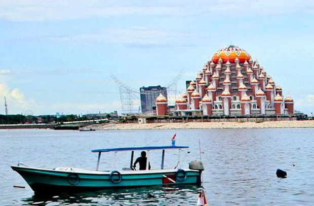 Pembangunan Masjid 99 Kubah di Makassar Bakal Dilanjutkan