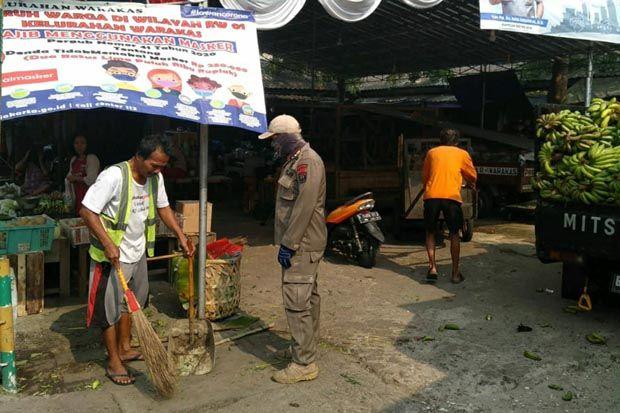 Tidak Bermasker, Lima Pengunjung Pasar Warakas Dikenakan Hukuman Sosial