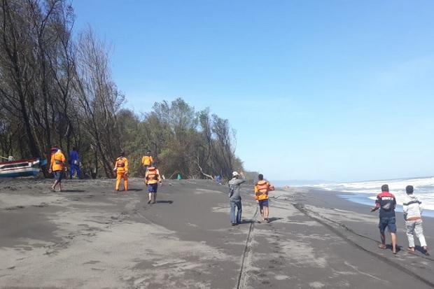 Terseret Ombak Pantai Gua Cemara, 2 Wisatawan Tewas 5 Hilang