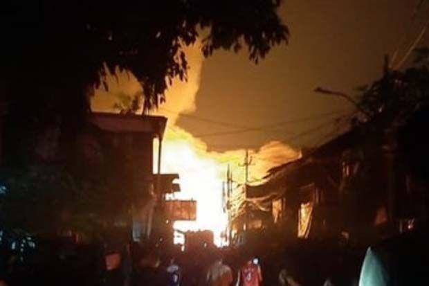 Kebakaran Di Pasar Timbul Tomang 3 Unit Damkar Dikerahkan