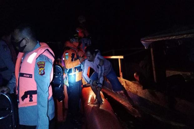 Mesin Kapal Terbakar, 10 Nelayan Berhasil Dievakuasi Tim SAR