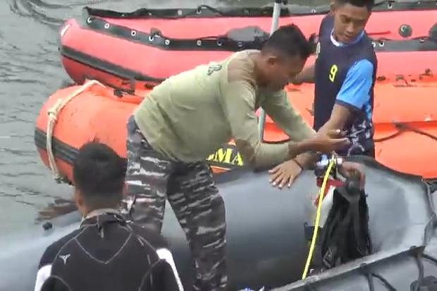 Penyelam Marinir Dikerahkan Cari Warga AS yang Hilang Menyelam di Teluk Ambon