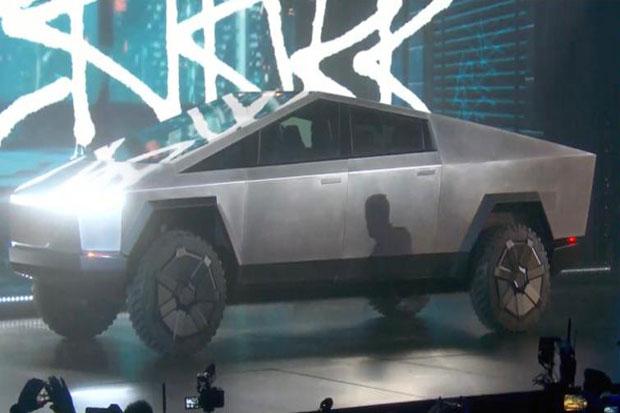 Elon Musk Siap Hadirkan Truck Tesla Ukuran Kecil