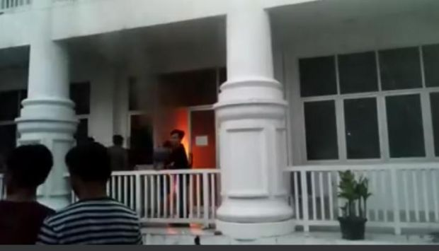 Kebakaran Kantor Bupati Labuhanbatu Hanguskan Ratusan Dokumen Penting
