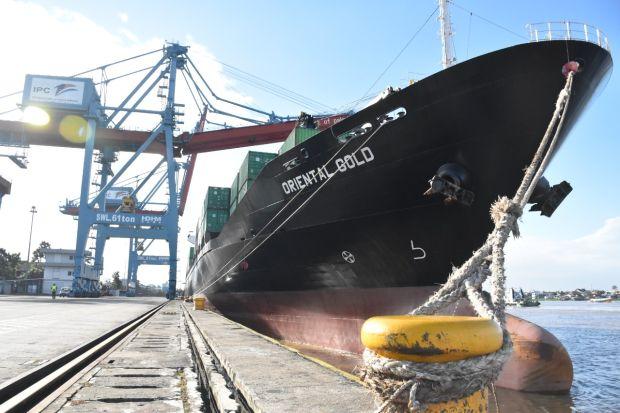 Pelabuhan Boombaru di Sungai Musi Layani Kapal Terbesar Kedua