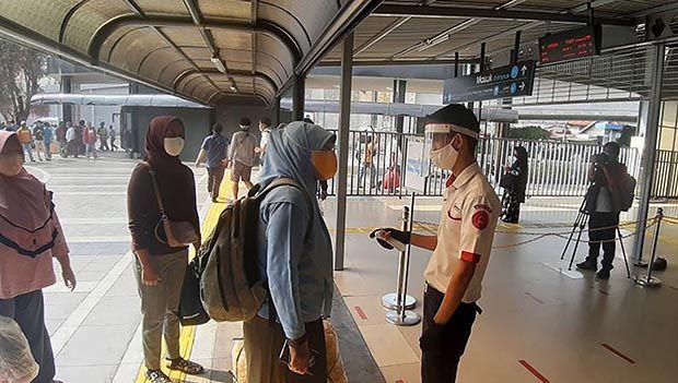 Hari Pertama Akses Tunggal di Stasiun Tanah Abang, KCI Klaim Kondusif