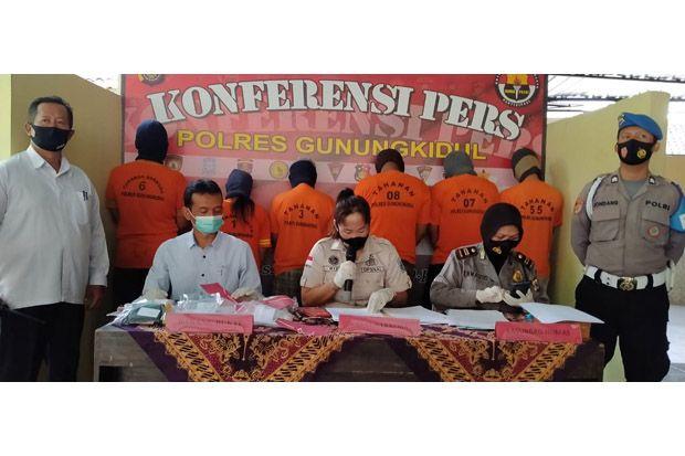 Asik Pesta Sabu di Hotel, Pasangan Suami Istri Ditangkap Polisi