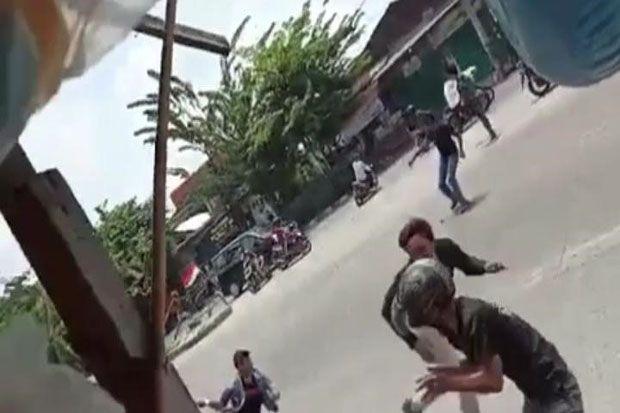 Dua Kelompok Diduga Pelajar Viral Saling Serang di Medan