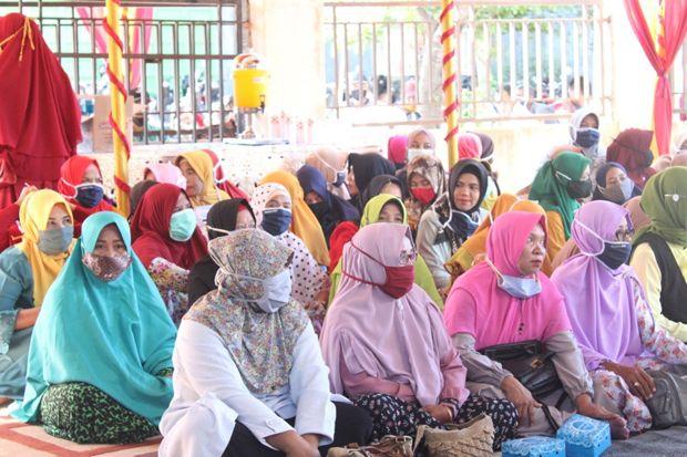 Ini Pesan Khusus Bupati pada Ibu-Ibu Kecamatan Seteluk dan Poto Tano