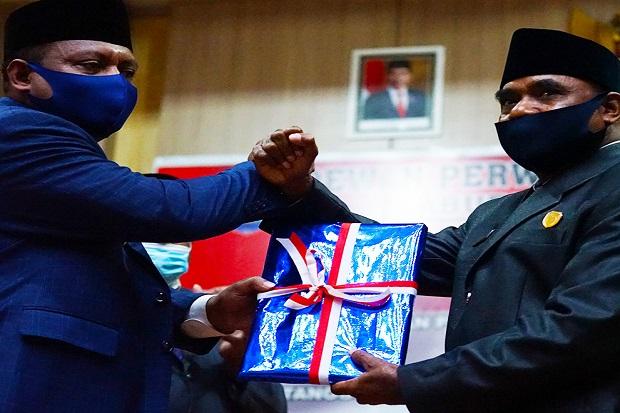LKPJ Bupati Teluk Bintuni Diterima Aklamasi Seluruh Fraksi DPRD