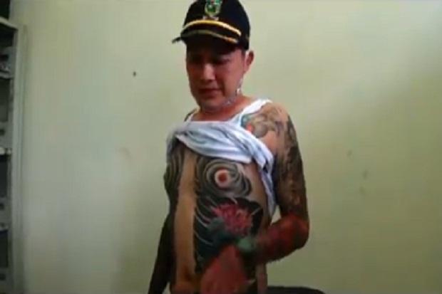 Kepala Desa di Banjarnegara Bertato Ala Yakuza