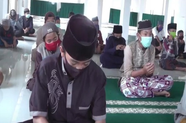 Ratusan Santri Ponpes Ki Marogan Palembang Doakan Kesembuhan Syekh Ali Jaber