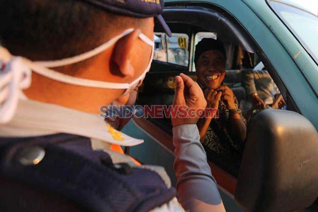 Tak Pakai Masker di Dalam Mobil Bisa Kena Sanksi