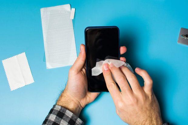 Cara Membersihkan Handphone yang Efektif untuk Mencegah Virus Menempel