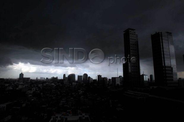 Langit Jakarta Keluarkan Suara Dentuman, Ini Jawab