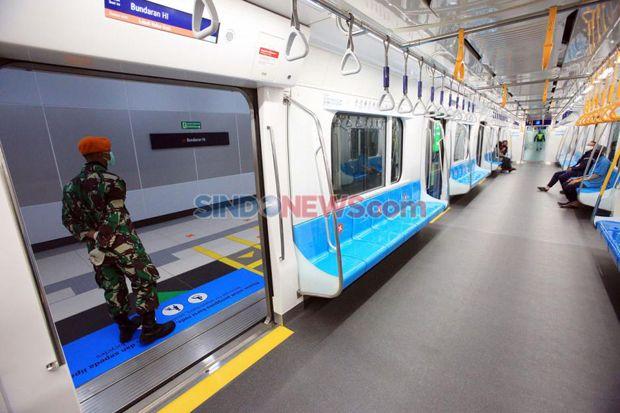 Pengguna Angkutan Umum di Jakarta Selama PSBB Turun 22%