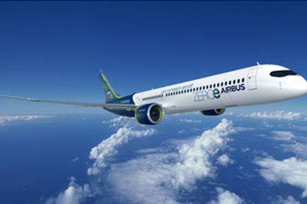 Pada tahun berapa Airbus menargetkan seluruh pesawat komersial pabrikannya bebas karbon?