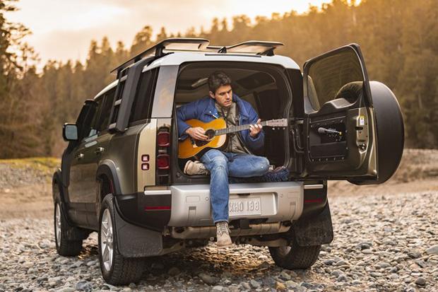 John Mayer Jadi Duta Land Rover Defender