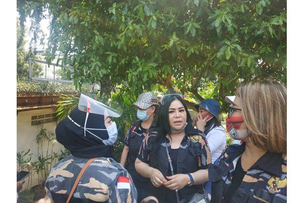 Lakukan Unjuk Rasa, Anisa Bahar Minta DPRD Gunakan Hak Angket Agar Anies Cabut PSBB