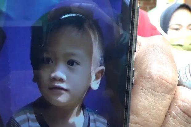 Jatuh Terpeleset di Kali Ciliwung, Bocah 3 Tahun Hilang Tenggelam