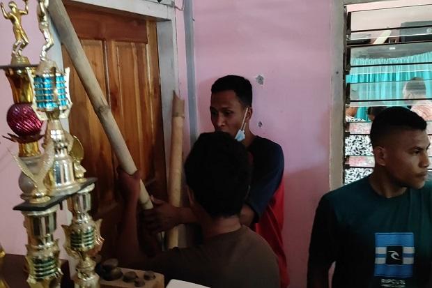 Kades Nita Hamili Stafnya Sendiri, Warga Desa Marah