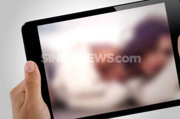 Geger, Beredar Video Syur Mahasiswi saat Kuliah Online