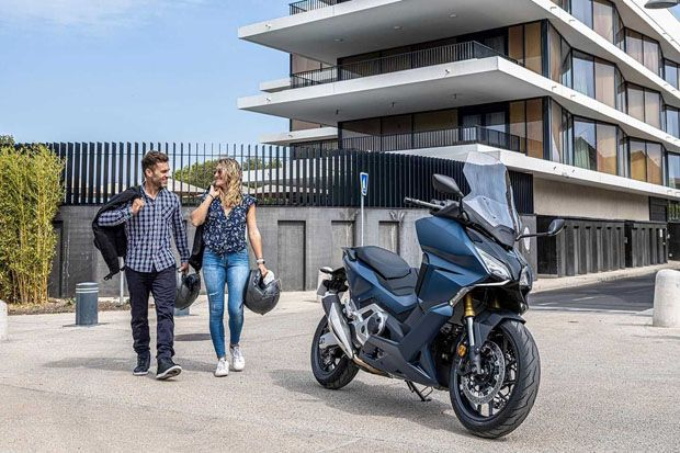 Melihat Lebih Dekat Honda Forza 750, Si Maxi-Scooter yang Siap Bertugas