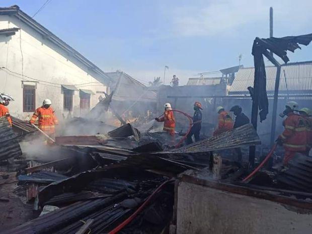 Ditinggal Menemui Tamu, Rumah Warga Salatiga Ludes Terbakar