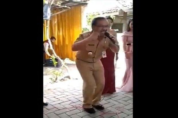 Bupati Blora Bernyanyi Sambil Berjoget Tanpa Masker