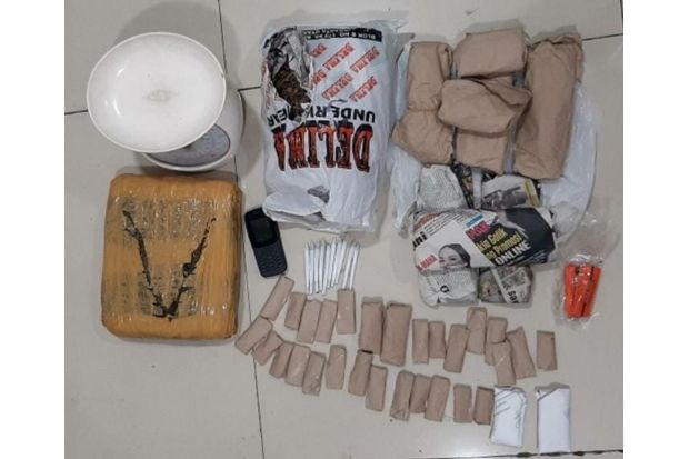 Ciduk Bandar Narkoba di Serang, Polisi Sita 1,8 Kg Paket Ganja