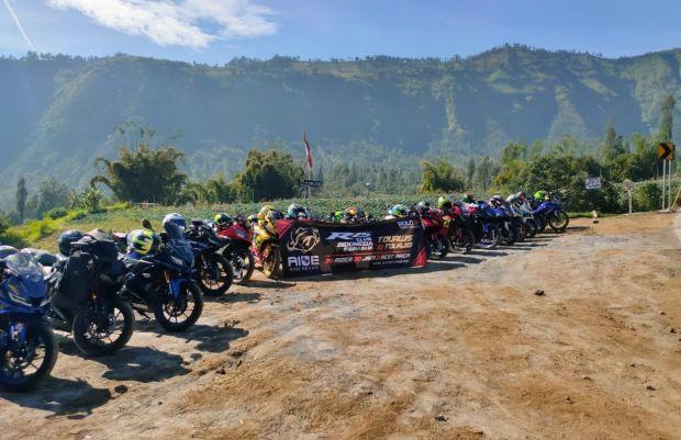 Touring Perdana Komunitas Motor ke Bromo, Nikmati Nasi Aron Khas Tengger