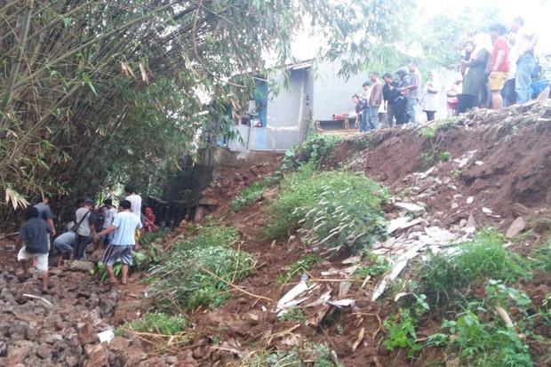 Waspada Turap Longsor di Jakarta Timur ketika Hujan Deras