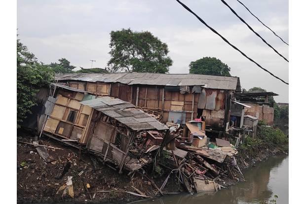 DKI Pastikan Bangunan Warga Miskin di Bantaran Kali Tak Ditertibkan