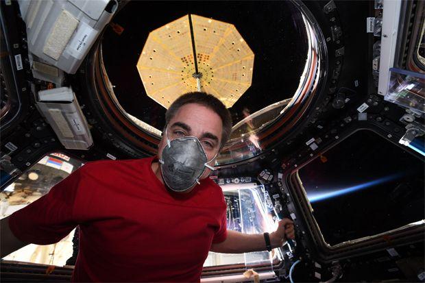 Astronot NASA Latihan Pakai Masker Biar Selamat Pulang ke Bumi