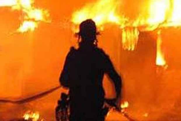 Pasar Raya Manggarai Terbakar akibat Korseling Listrik di Panel Genset