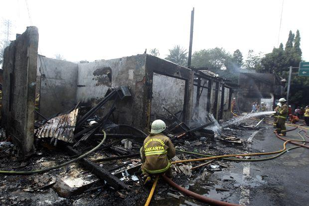 Korsleting Listrik, Puluhan Rumah di Simprug Dilalap si Jago Merah