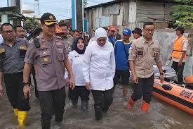 Jelang Musim Hujan, Khofifah Ingatkan Masyarakat Waspadai Bencana