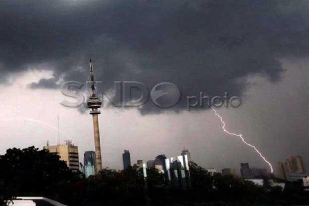 Waspada, Jakarta Selatan Berpotensi Hujan Diserta Angin Kencang