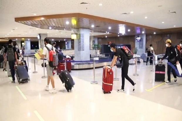 Jelang Libur Panjang, Arus Kedatangan di Bandara Ngurah Rai Membeludak