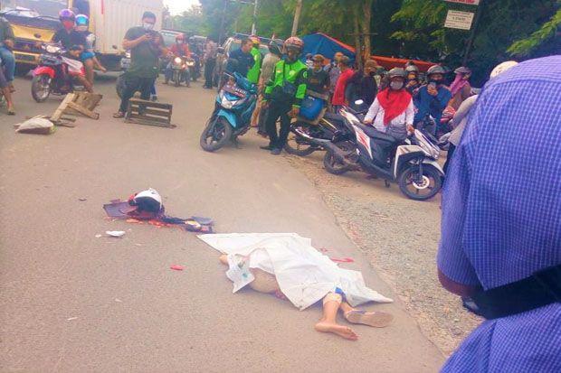 Perempuan Bermotor Matik di Palembang Tewas Tergilas Truk Minyak