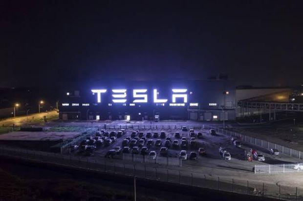 Gocek Indonesia, Tesla Tergiur Rayuan Maut India