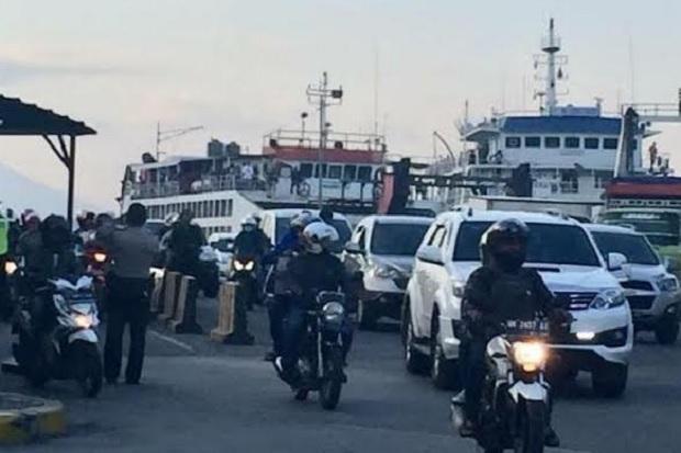 Liburan ke Bali, Kendaraan Pribadi Padati Penyeberangan Ketapang-Gilimanuk