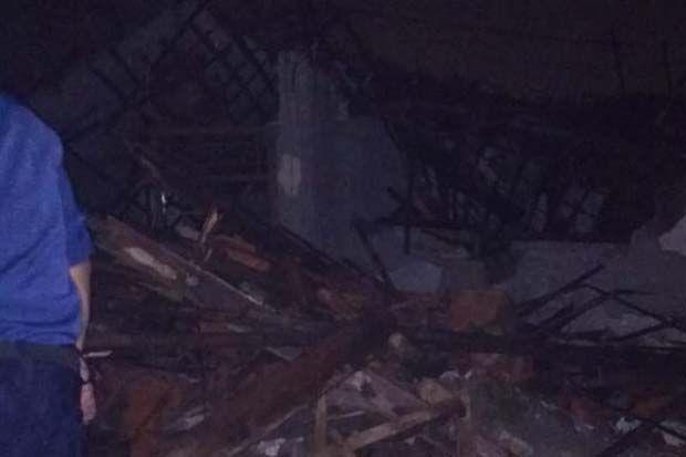 Depok Diguyur Hujan Deras Semalam, Rumah Kosong di Tapos Ambruk