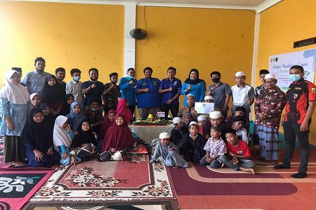 Peringati Sumpah Pemuda KNPI Provinsi Jambi Santuni Anak Yatim