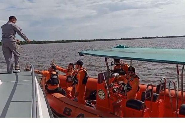 SPKKL dan Tim SAR Gabungan Temukan Korban Kapal Karam di Sungai Sambas