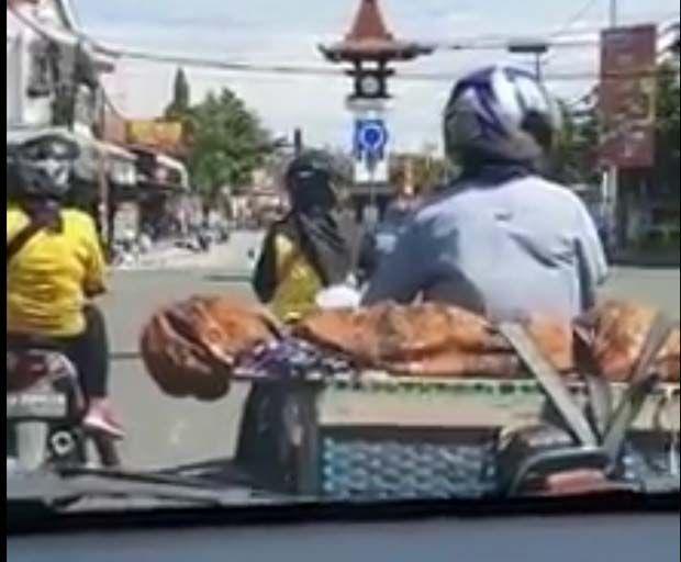 Viral Jenazah Dibungkus Jarik dan Dibonceng Sepeda Motor di Boyolali