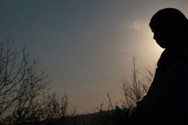 Cinta Berat Tiga Pemuda dan Gadis yang Kembali dari Kematian
