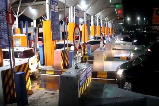 Arus Balik Libur Panjang, Gerbang Tol Cipali Dipadati Kendaraan