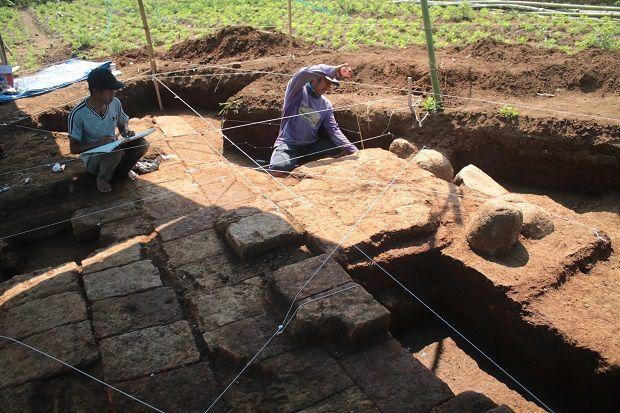 Diduga Pondasi Candi Sebelum Era Majapahit Ditemukan di Langlang
